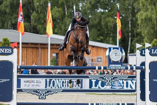 Ingrid-Klimke-wins-FEI-Classics-Luhmuhlen-2015