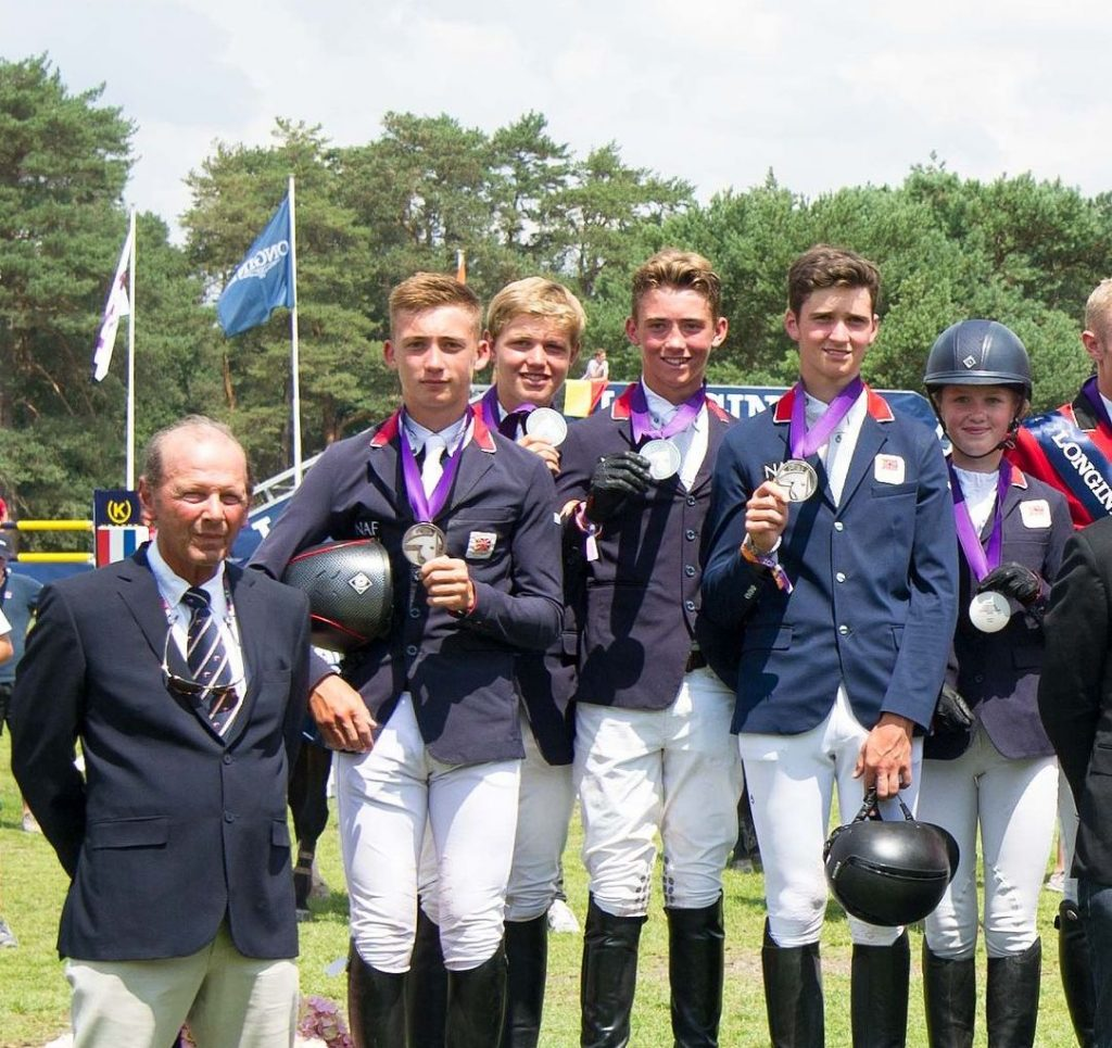 Junior Showjumpers win Silver at Europeans